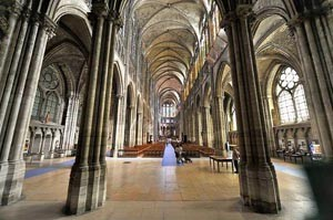 800px-Saint_Denis_-_La_Basilique_2